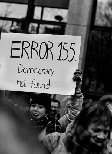 Conspiracy and Democracy: History, Political Theory and the Internet's image